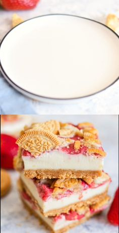 Bars Strawberry Cheesecake Bars, golden Oreo crust with a creamy cheesecake filling, and strawberry sauce. from Strawberry Cheesecake Bars, golden Oreo crust with a creamy cheesecake filling, and strawberry sauce. Dessert Oreo, Dessert Bars, Oreo Cake, Cake Brownies, Baking Recipes, Cookie Recipes, Dessert Recipes, Baking Ideas, Strawberry Recipes