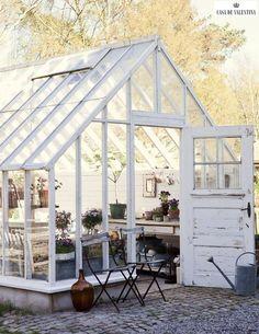 Via Casa de Valentina www.casadevalenti... #decor #interior #design #greenhouse #garden #yard #modern #casadevalentina