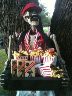 Previous pinner made this into a popcorn vendor and a sword swollerer