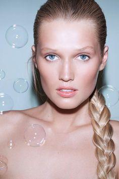 Vogue Paris - Zoom June 2012 - Toni Garrn