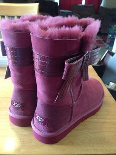 Sparkly Ugg Boots. Some less than $139 #UGG_discount_site #ugg #cheap_ugg