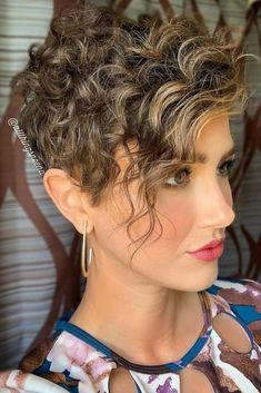 35 Trendy Short Pixie Haircut for Thick Hair Page 5 of 35 Fashion Lifestyle Curly Pixie Hairstyles, Curly Hair Styles, Pixie Haircut For Thick Hair, Curly Pixie Cuts, Quiff Hairstyles, Short Curly Haircuts, Short Hairstyles For Thick Hair, Short Hair Cuts, Edgy Pixie