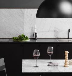 From the massive Dining Table 230 to the critically acclaimed Desk in black marble, all HANDVÄRK tables are meticulously designed in Denmark and characterized by aesthetic sustainability: a timeless object in a quality that lasts a lifetime. Dining Table In Kitchen, Black Marble, White Wine, Alcoholic Drinks, Objects, Glass, Minimalism, Marble, Drinkware