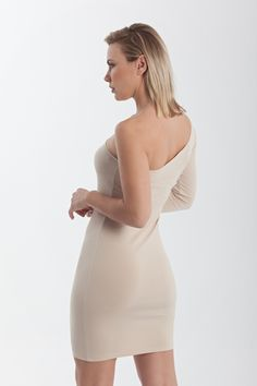 One shoulder jersey bodycon mini dress with one long sleeve Beige Dresses, Tight Dresses, Nude Dress, Office Looks, Pencil Skirts, Dress Party, Styling Tips, Confident, One Shoulder