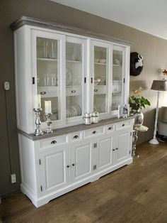 New Living Room, Kitchen Living, Rivera Maison, Bookcase With Glass Doors, Home Decor Items, China Cabinet, Antique Furniture, New Homes, Sweet Home