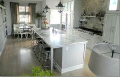 joni webb home   Eu preciso dessa cozinha para mim!!! Joni Webb from Cote de Texas ...
