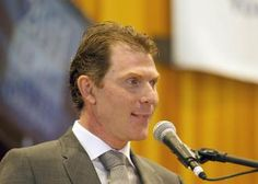 Celebrity Chef Bobby Flay will receive the Earle I Mack TRF Champion Award for his efforts in animal safety and welfare.
