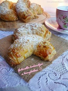 Gabriella kalandjai a konyhában :): Búrkifli Hungarian Cookies, Bread Dough Recipe, Cookie Recipes, Dessert Recipes, Homemade Sweets, Good Food, Yummy Food, Hungarian Recipes, Eat Dessert First