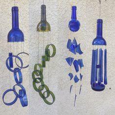 Wine Bottle Windchimes, Recycled Wine Bottles, Wine Bottle Art, Glass Bottle Crafts, Diy Bottle, Glass Bottles, Wine Bottle Garden, Carillons Diy, Diy Wind Chimes