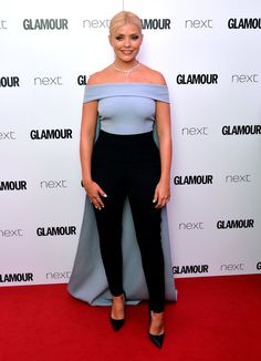 Pin for Later: Hollywood Se Mélange aux Stars Britanniques Lors des Glamour Women of the Year Awards Holly Willoughby