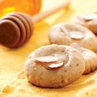Almond & Honey Butter Cookies - DEFinitely trying these!  Sound so good.