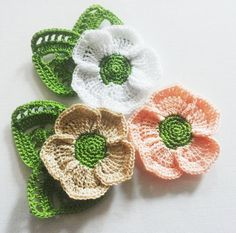 Crochet flower applique with lace leaves in beige by Fiscraftland