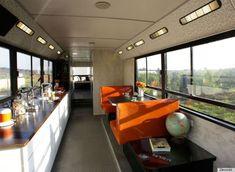 Autobus convertito in unabitazione mobile (FOTO)
