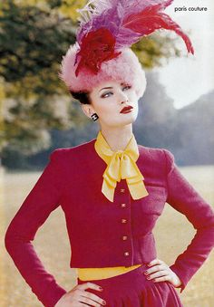 Shalom by Steven Meisel, october 1994 US Vogue ..... perfectly gorgeous ... and an impeccable example of mixing pink with red (and red with yellow) nearly 20 years ago!  Excellent blast from the past!