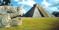 Um aspecto surpreendente das grandes estruturas maias é a carência de muitas das tecnologias avançadas que poderiam parecer necessárias às suas construções. Não há notícia do uso de ferramentas de metal, guindastes ou veículos com rodas. A arquitectura maia requeria de resto muita força humana (ou outra), embora contasse com a abundância dos materiais utilizados (as pedras), facilmente disponíveis nos locais onde se fixaram.