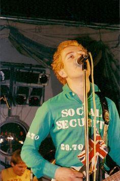Combat Rock, The Future Is Unwritten, Rat Boy, Tube Vintage, Mick Jones, Punks Not Dead, Joe Strummer, The Clash, Bob Dylan