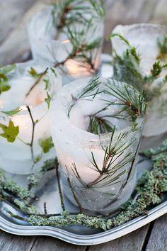 #ijslantaarn met takjes, gaaf om zelf te maken voor in de #tuin. #DIY als het #vriest! Bekijk de werkbeschrijving in de bron. #ice #lantern #luminaries