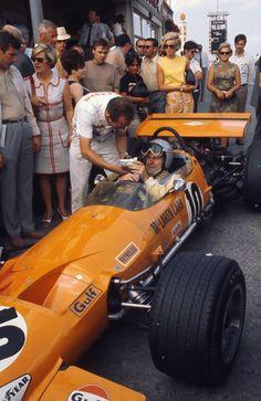 Historic - Bruce McLaren in the 1969 German Grand Prix, McLaren Ford. Ickx won in a Brabham Ford. Motogp, Mclaren Formula 1, Formula 1 Car, Slr Mclaren, Mclaren Cars, Grand Prix, Jochen Rindt, Mercedes Slr, Gp F1