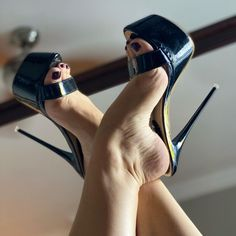 Hot Heels, Sexy Legs And Heels, Sexy High Heels, Platform High Heels, High Heels Images, Extreme High Heels, Stockings Heels, Nylons Heels, Beautiful High Heels