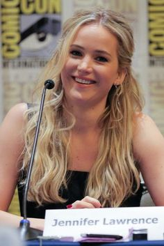 7 Fascinating Things We Learned About Jennifer Lawrence From Comic Con