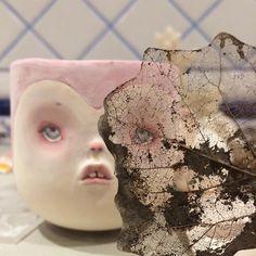 Роспись закончена , глазурь положена . Все готова к финальному обжигу !!! #фарфор #dollechka #fantasy #porcelaindoll #чашка #porcelain #porcelaincup #sculpture #art
