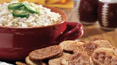 A spicy and creamy combination of jalapeno jelly, cottage cheese and pepper jack cheese served with Keebler® Town House® Flipsides® crackers.