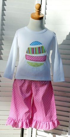 Boutique Applique Easter Outfit Size 2TFrom RazzleDazzleChildren