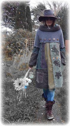 SCIURUS Squirrel Elvish Leaf Folk Jumper Sweater Dress Snood Source by alidaalidas Dresses Poncho Pullover, Alter Pullover, Old Sweater, Sweater Jacket, Jumper Dress, Jacket Jeans, Sweater Dresses, Hooded Jacket, Sewing Clothes