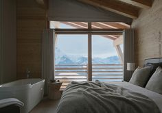 Chalet Solais – Swiss ski chalet perched above the clouds in Villars, with Sir Norman Foster's architecture and Callender Howorth's interior design - check out the magnificent views! Interior Design Studio, Interior Design Services, Chalet Interior, Chalet Design, New York Loft, Seattle Homes, Norman Foster, Interior Decorating Styles, Ski Chalet