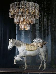To see a horse in your dream ~ symbolizes strength, power, endurance, virility and sexual prowess. It also represents a strong, physical energy. Dream Symbols, Store Window Displays, Retail Displays, Visual Merchandising Displays, Passementerie, Window Design, Art Plastique, Beautiful Horses, Store Design