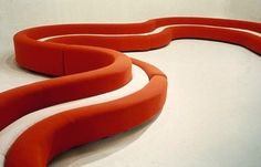 Osaka sofa, versions of which Nicolas Ghesquière used as seating for the Louis Vuitton Cruise 2015 Canapé boudin Amphis, par Pierre Paulin French Furniture, Vintage Furniture, Cool Furniture, Modern Furniture, Industrial Design Furniture, Furniture Design, Art Et Design, Design Concepts, Set Design