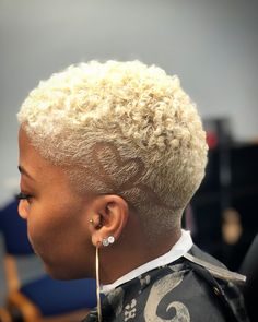 pretty in pink! Natural Hair Short Cuts, Short Natural Haircuts, Tapered Natural Hair, Girls Natural Hairstyles, Short Hair Cuts, Natural Hair Styles, Tapered Twa, Twa Hairstyles, Men's Hairstyle