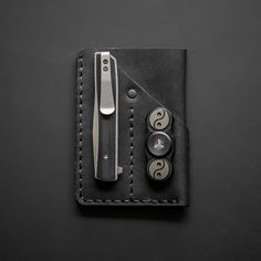 Win this EDC kit! Featuring the best-selling Urban Organizer Mini front pocket wallet.