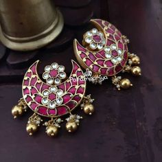 Bold Antique Ear Studs Are Making a Huge Come Back This Year! Indian Jewelry Earrings, Silver Jewelry Box, Big Jewelry, Silver Jewellery Indian, Jewelry Design Earrings, Gold Earrings Designs, Gold Jewellery Design, Silver Ring, Silver Earrings