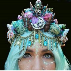 The line up is spot on 👏 . And if you are you obviously need a mermaid crown 🙊 I want to walk past at least 7 people wearing these 😂 . Mermaid Headpiece, Mermaid Crown, Mermaid Princess, Mermaid Hair, Mermaid Glass, Mermaid Bra, Mermaid Outfit, Crown Tumblr, Seashell Crown