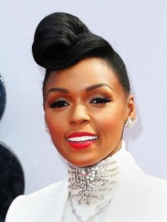Janelle Monae is just gorg!