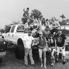 Zac Brown  #countryshore #imnotleaving #f250superduty #florida #floridagirl #floridaboy #ford7.3 #whitelightning #zacbrownbandconcert #westpalmbeach