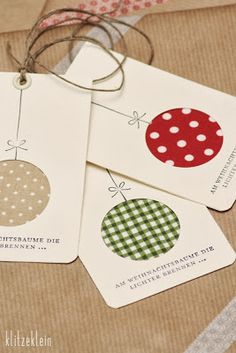 gift tags or christmas cards with fabric scraps Christmas Cards To Make, Christmas Gift Wrapping, Homemade Christmas, Christmas Christmas, Christmas Ornament, Christmas Projects, Holiday Crafts, Tarjetas Diy, Theme Noel
