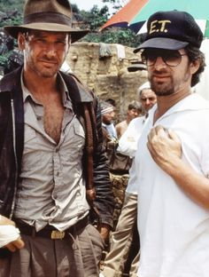 Harrison Ford and Steven Spielberg on-set of Indiana Jones and the Raiders of the Lost Ark Henry Jones Jr, Harrison Ford Indiana Jones, Steven Spielberg, Love Movie, Movie Stars, Movie Tv, Monsieur Cinema, Paolo Conte, Globe Theatre