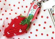 Søde strikkede jordbær - Hendes Verden