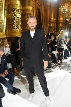 Alasdhair Willis sported a black suit from Stella McCartney's debut menswear collection.