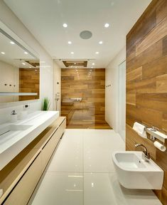 apartment design bathroom idea design wood tiling white shower cabin Source by Bathroom Design Luxury, Bathroom Layout, Modern Bathroom Design, Small Bathroom, Bathroom Hacks, Urban Interior Design, Mid Century Bathroom, Shower Cabin, Appartement Design