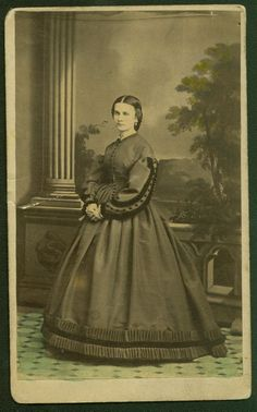 Tinted Maiden from York PA Great Dress and Presence | eBay