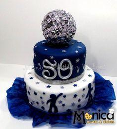 Torta Disco, con detalles únicos en ella, visita la pagina de Monica Pastas y Dulces