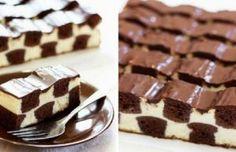 Přímo dokonalý tvarohový  koláč, který ulahodí nejen chuťovým buňkám, ale také samotným očím. Vzhled ala šachovnice Vás zkrátka dostane!