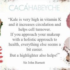 """""""Couve é muito rica em vitamina K, aumenta a circulação e ajuda a renovação celular. Se você encara sua maquiagem com uma abordagem holística para a saúde, todo o resto parece um pouco mais fácil. Mas um iluminador também ajuda!"""" https://www.instagram.com/p/-Kj-CYiMGC/?taken-by=cacahabeyche"""
