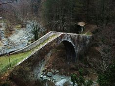 Two years ago today I was living in the Garfagnana Valley in Tuscany, Italy. Crossing this bridge, I've never felt so hobbit-ish. - Imgur