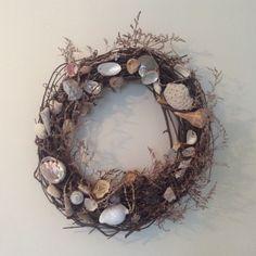 DIY Seashell Wreath #coastalstyle #natureinspired #CoastalWedding