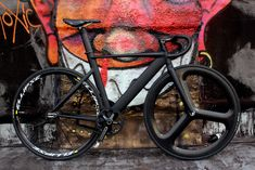 Black on Black Langster Pro - Pedal Room Track Cycling, Cycling Bikes, Cool Bicycles, Cool Bikes, Electric Mountain Bike, Fixed Gear Bicycle, Bicycle Women, Tumblr, Bike Art