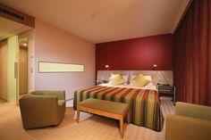 Astra Hotel Vevey - Place de la Gare 4 - CH-1800 Vevey - T. +41 +41 21 925 04 04 - F. +41 21 925 04 00 - info@astra-hotel.ch - www.astra-hotel.ch
